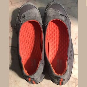 Clarks Shoes - NEW CLARKS COLLECTION soft cushion shoes size 6.5
